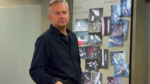 """Bogusław Linda na planie serialu """"Paradoks"""" /Agencja W. Impact"""