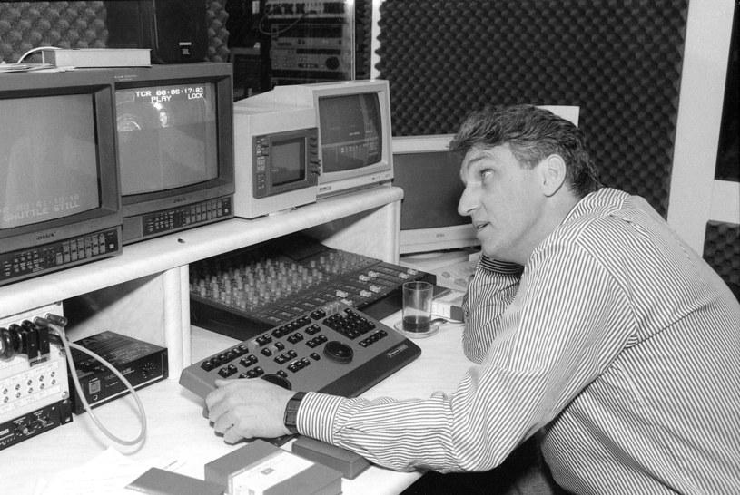 Bogusław Wołoszański w studiu telewizyjnym, 1993 rok /Andrzej Marzec /East News