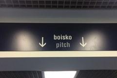 Boisko, bieżnia, a nawet posterunek policji. Odwiedzamy Stadion Śląski!