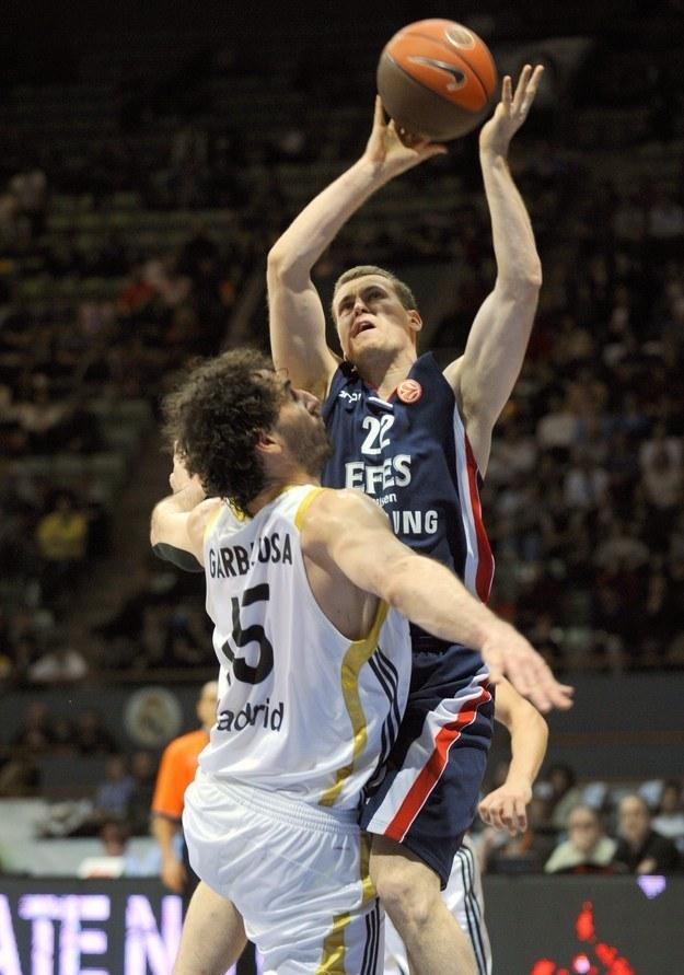 Bojan Popović (z piłką) /AFP