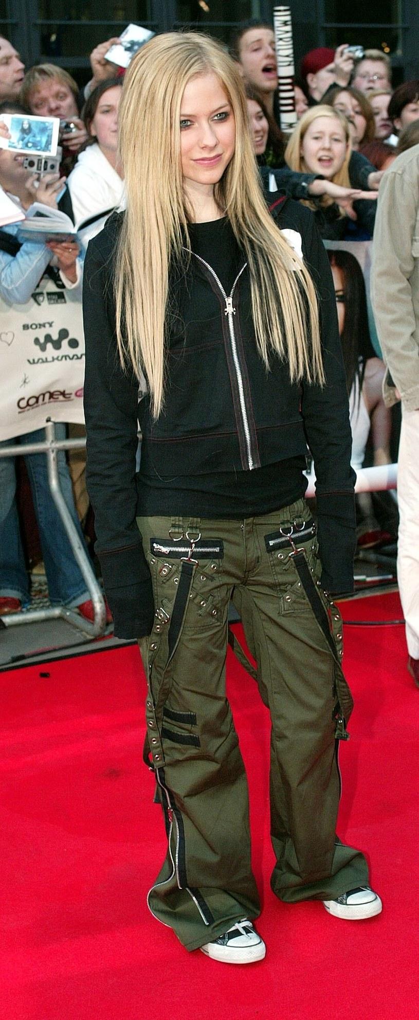 Bojówki były nieodzownym elementem stylizacji Avril Lavigne /East News