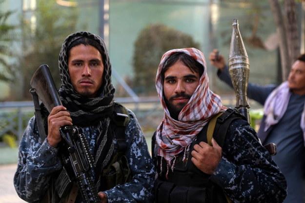 Bojownicy talibów /STRINGER /PAP/EPA