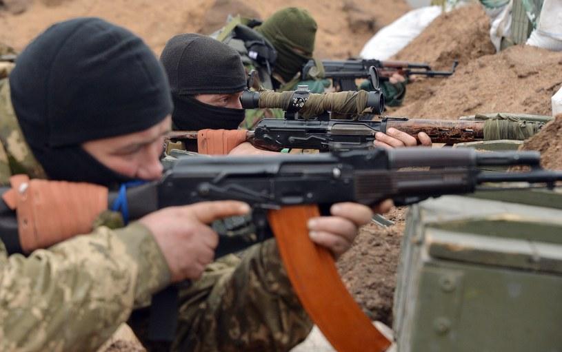 Bojownicy walczą po obu stronach konfliktu /AFP