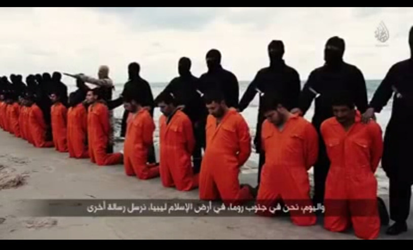 Bojownicy z Państwa Islamskiego zmieścili w internecie film z egzekucji 21 Koptów /Agencja FORUM