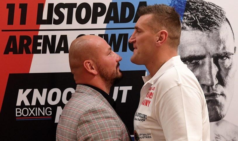 """Bokserzy Artur Szpilka (L) i Mariusz Wach (P) podczas konferencji prasowej dotyczącej gali """"Knockout Boxing Night 5"""" /Piotr Nowak /PAP"""