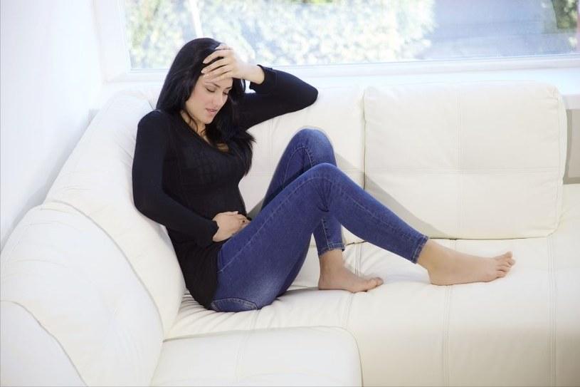 Ból bywa dokuczliwy /123RF/PICSEL