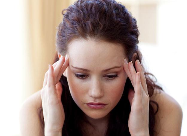 Ból głowy mogą wywoływać zmiany pogody /© Panthermedia