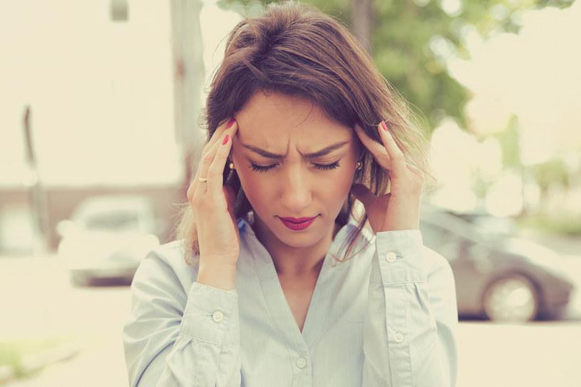 Ból głowy może mieć wiele przyczyn /123RF/PICSEL