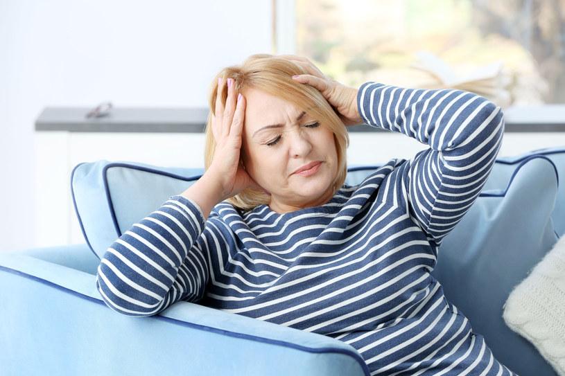 Ból głowy mże być objawem choroby innej części ciała /123RF/PICSEL