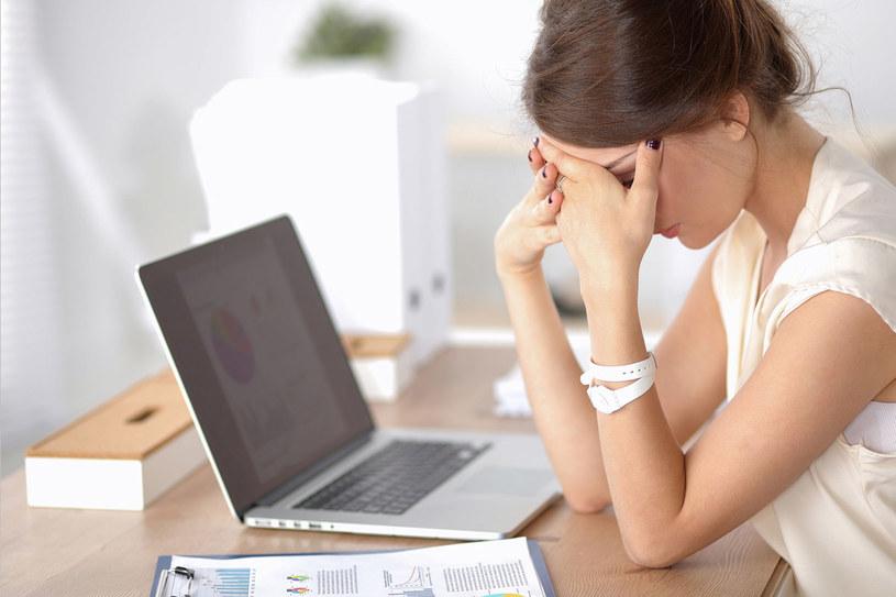 Ból głowy potrafi uprzykrzyć życie /123RF/PICSEL