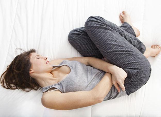 Ból jajników jest trudnu do wytrzymania /123RF/PICSEL