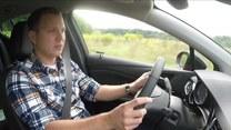 Ból pleców i promieniowanie do nóg podczas jazdy samochodem. Są na to sposoby