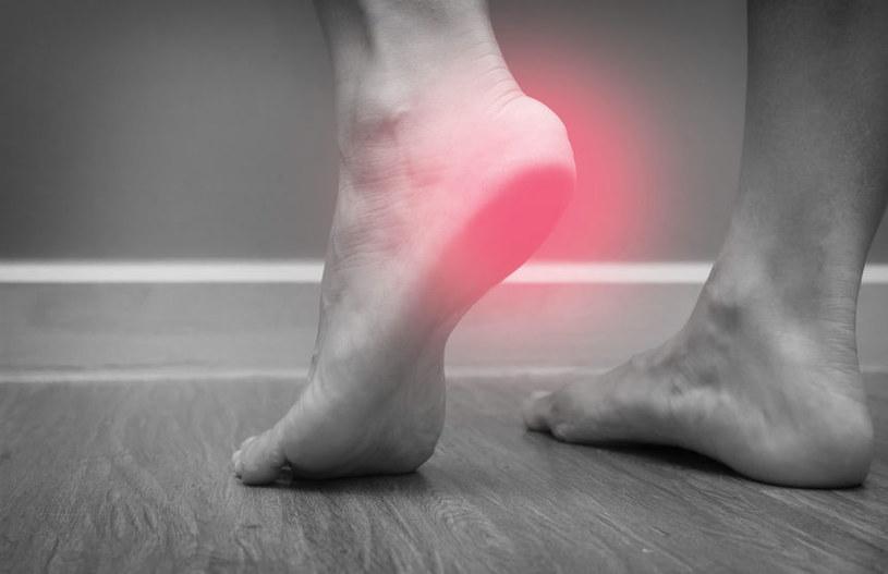 Ból w pięcie /©123RF/PICSEL