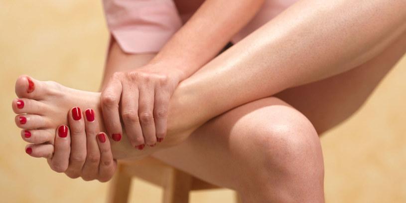 bolące stopy /© Photogenica