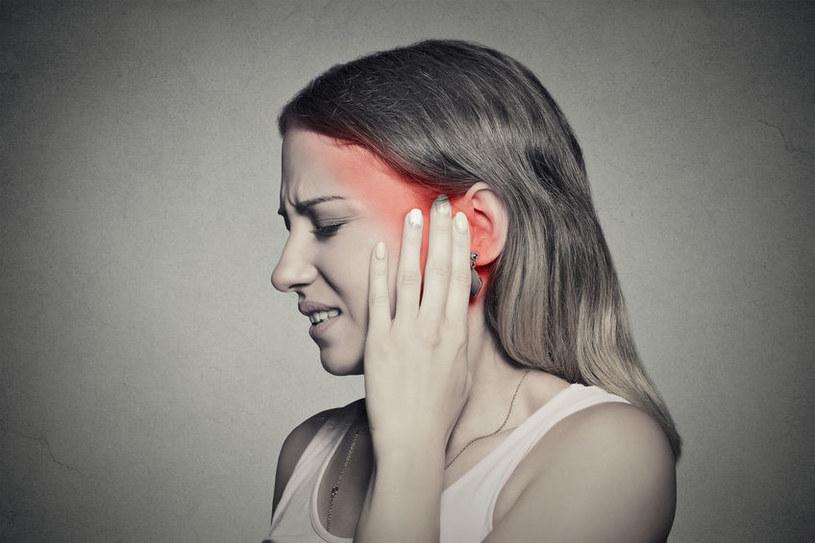 Bolące ucho /©123RF/PICSEL