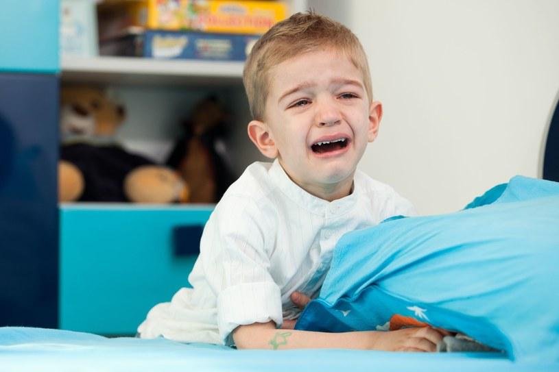 Bóle bywają tak silne, że wyrywają ze snu /123RF/PICSEL