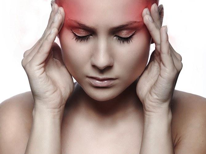 bóle głowy anemia /© Photogenica
