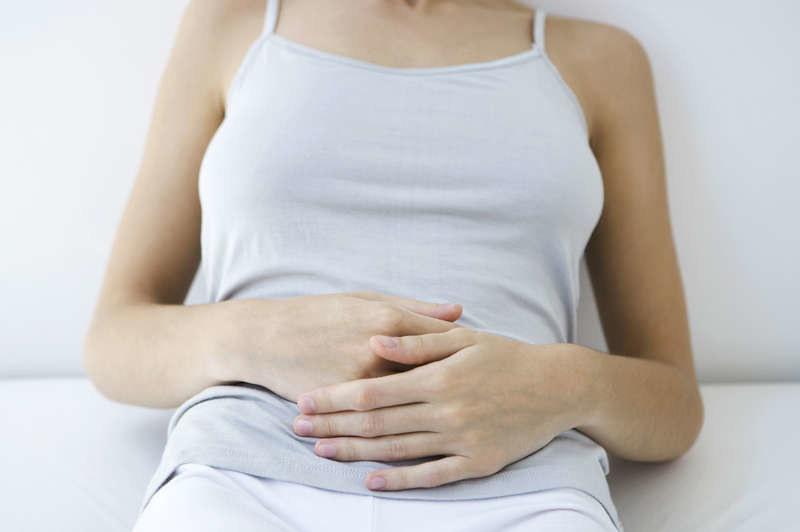 Bóle menstruacyjne /© Photogenica