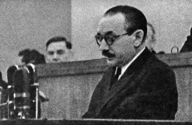 """Bolesław Bierut mówił o """"zadaniach partii w walce o umacnianie codziennej więzi z masami pracującymi"""" /AFP"""