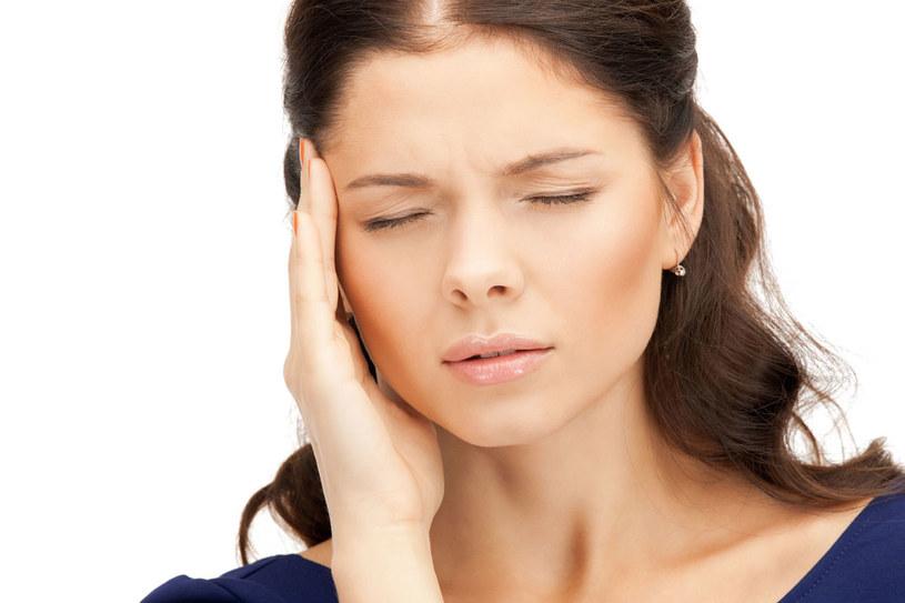 Boli cię głowa? Pierwszy na liście podejrzanych jest stres... /123RF/PICSEL