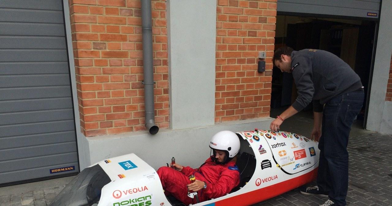 """Bolid """"Kropelka"""" -Eco Arrow 2.1 pokonał ponad 830 km na jednym litrze"""