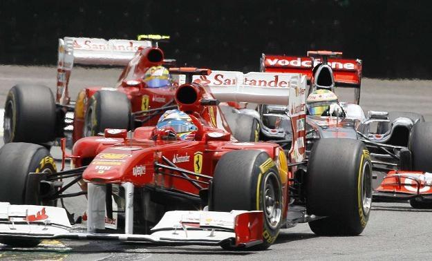 Bolidy Ferrari przeszły testy zderzeniowe. /AFP
