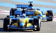 Bolidy Renault R23 na torze Le Castellet