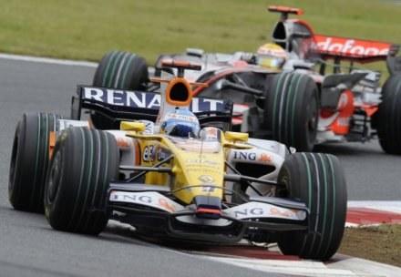Bolidy Renault spisują się znacznie lepiej /AFP