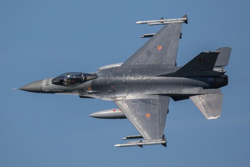 Bomba lotnicza Mk 82 ogólnego przeznaczenia jest najpopularniejszą bombą lotniczą stosowaną na samolotach F-16; zdj. ilustracyjne /Michal Adamowski /Reporter