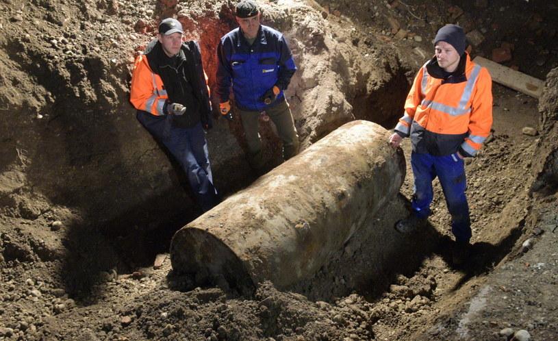 Bombę znaleziono na placu budowy w centrum miasta /PAP/EPA