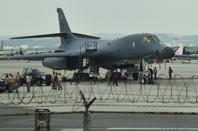 Bombowiec B-1B /JUNG YEON-JE /AFP