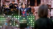 Bon Jovi w Warszawie: Butelka wódki i biało-czerwona flaga