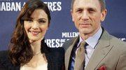 Bond z żoną na teatralnych deskach