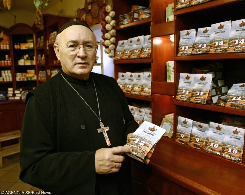 Bonifratrzy specjalizują się w ziołach; na zdj. ojciec Jan Grande /Maciej Kulczyński /East News