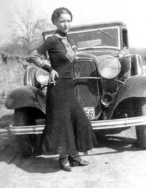 Bonnie Parker - jedna z najsłynniejszych gangsterek świata /materiały prasowe