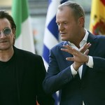 Bono i Tusk spotkali się w Brukseli. Do sieci trafiło wymowne zdjęcie