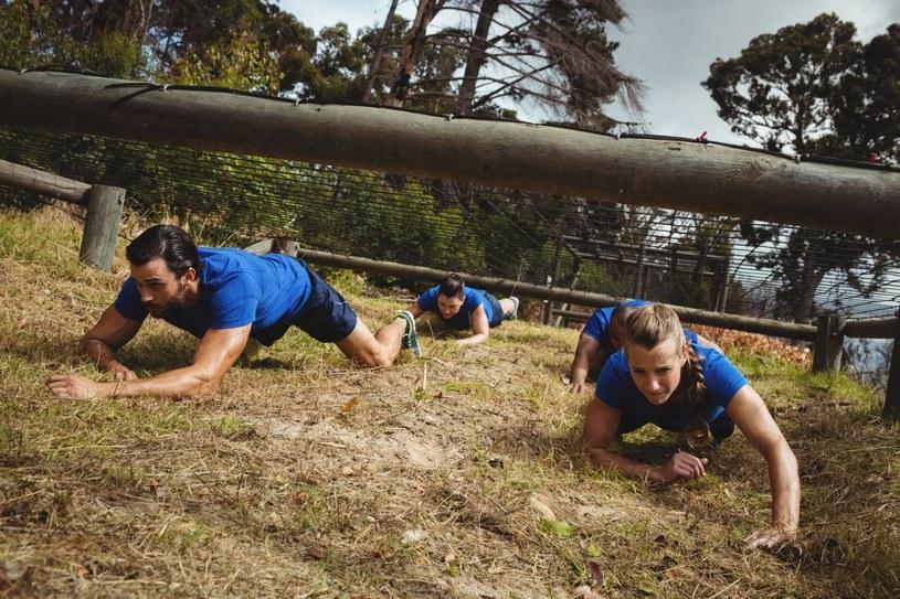 Boot camp to rodzaj sportu wytrzymałościowego, który wzmacnia ciało /123RF/PICSEL