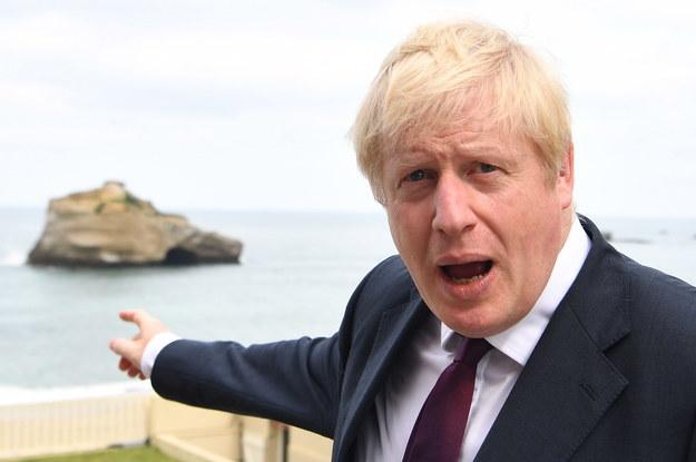 Boris Johnson podczas szczytu G7 /ANDREW PARSONS / POOL /PAP/EPA
