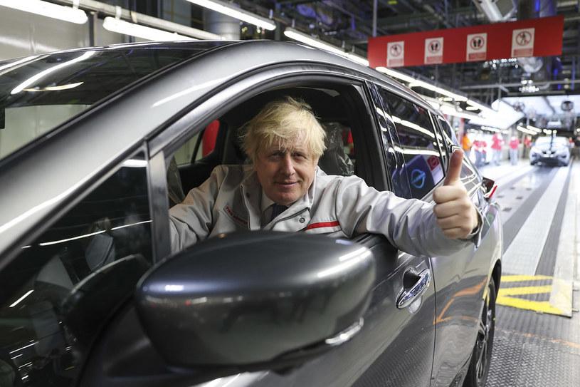 Boris Johnson  wizytował fabrykę w Sunderland. Fot, Nisan /Newseria Lifestyle