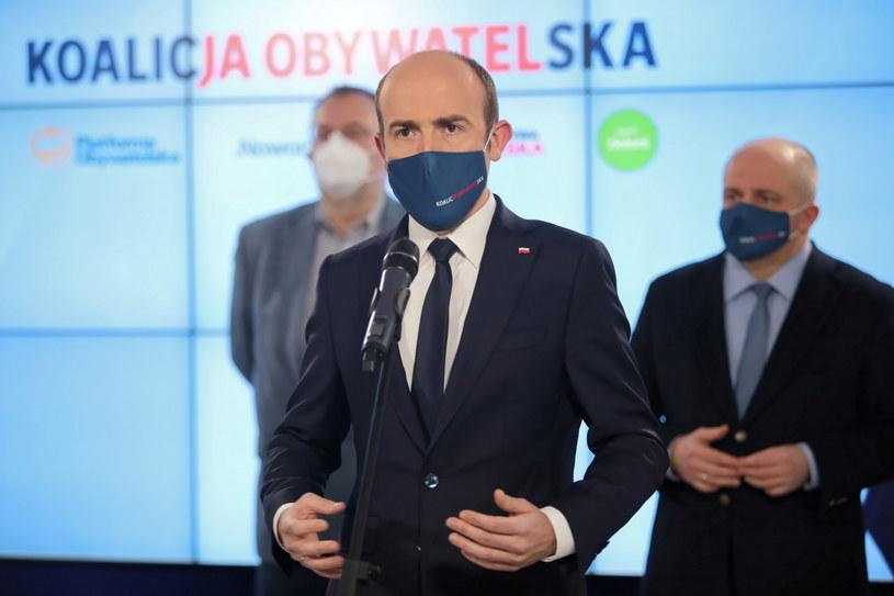 Borys Budka podczas konferencji prasowej / Leszek Szymański    /PAP