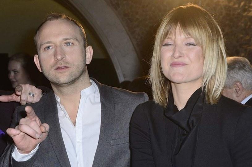 Borys i Justyna nie zdecydowali się jeszcze razem zamieszkać. To kolejna poważna decyzja, którą wkrótce przyjdzie im podjąć... /East News