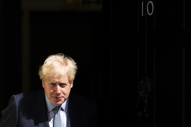 Borys Johnson, premier rządu Wielkiej Brytanii, przed swoja siedzibą /EPA