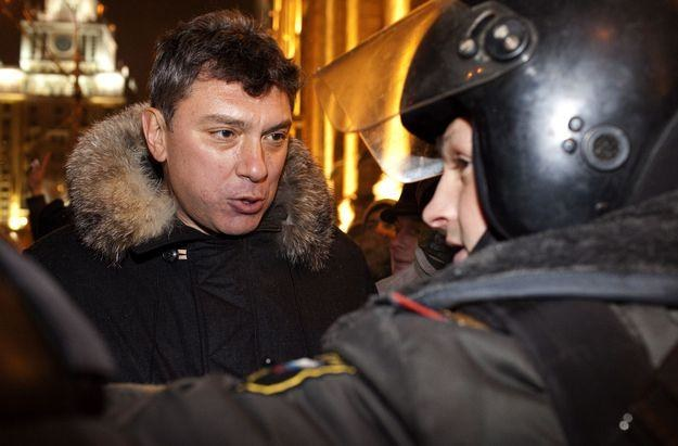 Borys Niemcow podczas manifestacji z 31 grudnia /AFP