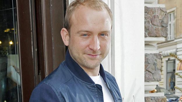 Borys Szyc zamiast zagranicznych wojaży wybrał nasze polskie Mazury! /Baranowski Michał  /AKPA