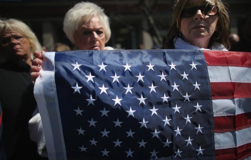 Boston i inne amerykańskie miasta uczciły minutą ciszy ofiary podwójnego zamachu bombowego na mecie bostońskiego maratonu. /Mario Tama /AFP
