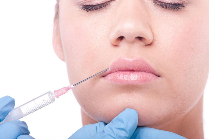 Botoks jest powszechnie wykorzystywany w medycynie estetycznej, ale może także szkodzić /123RF/PICSEL