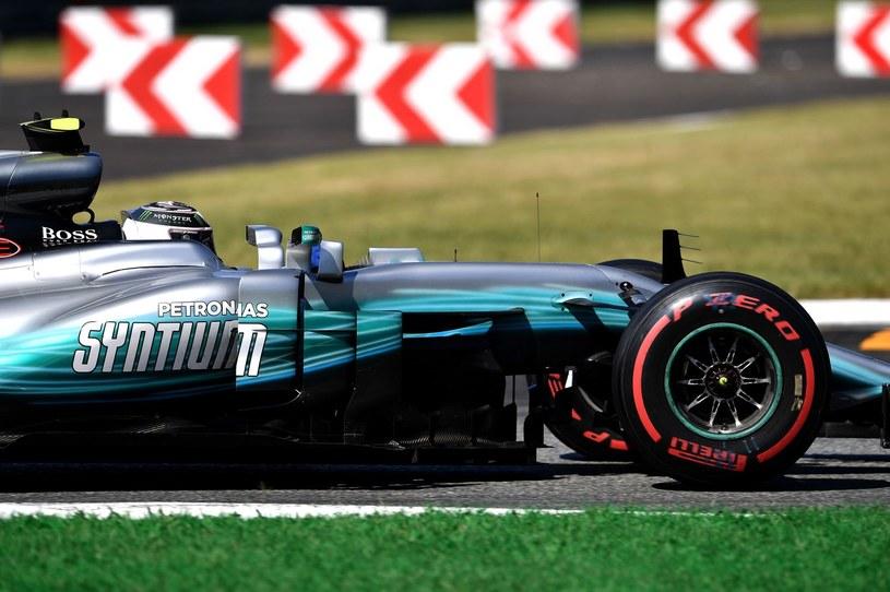 Bottas zostaje w Mercedesie /AFP