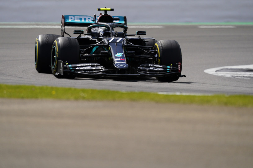 Bottas zostaje w Mercedesie /Getty Images
