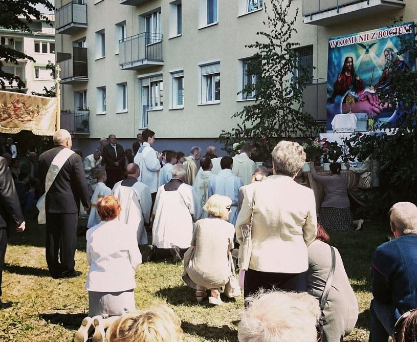 Boże Ciało jest dniem wolnym od pracy i wypada zawsze w czwartek, 60 dni po świętach Wielkanocy /123RF/PICSEL