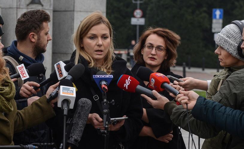 Bożena Przyłuska i Agata Czarnecka podczas konferencji prasowej nt. Ogólnopolskiego Strajku Kobiet /Jakub Kamiński   /PAP